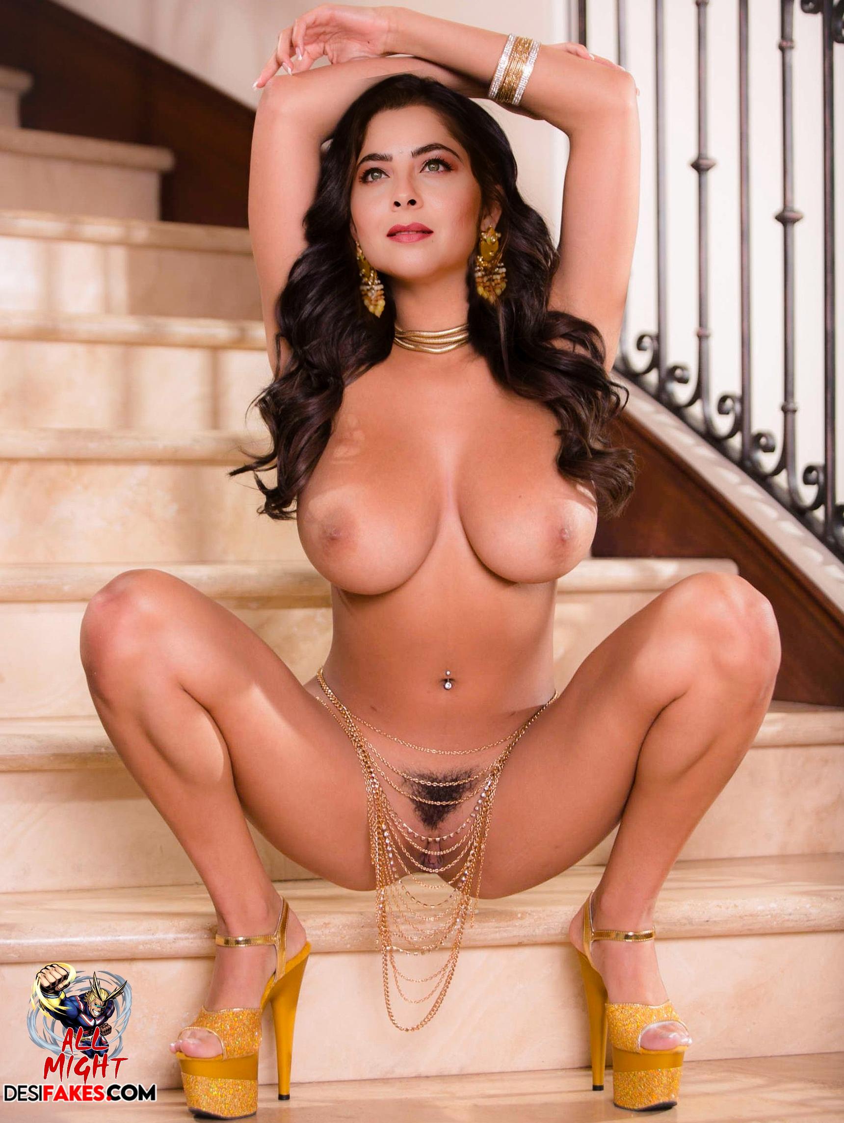 Sonali Kulkarni nude pic