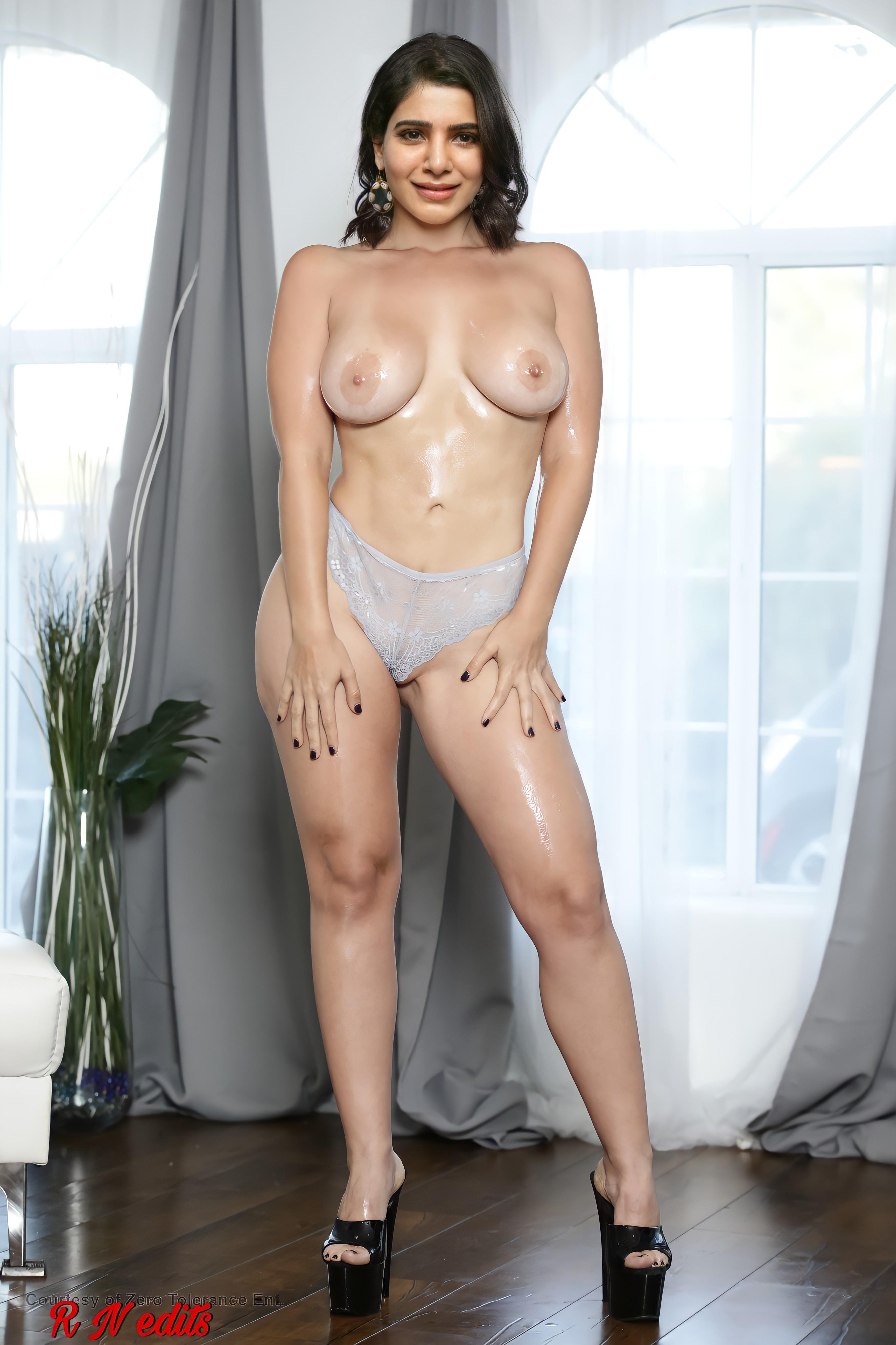 Samantha showing boobs